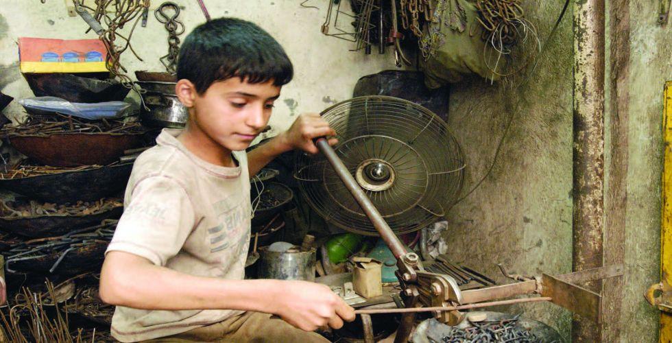 عمالة الأطفال.. أسبابها وآثارها