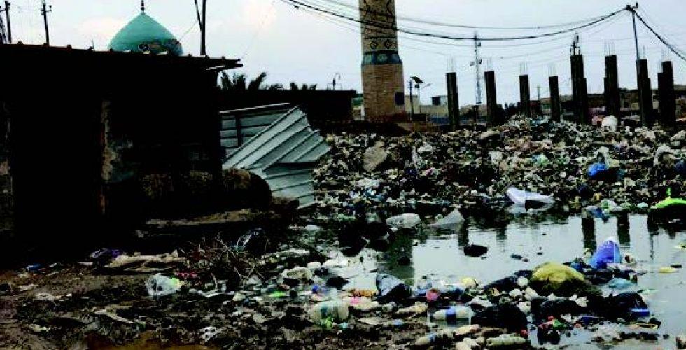 انتشار النفايات وبرك الماء الآسن في الحسينية