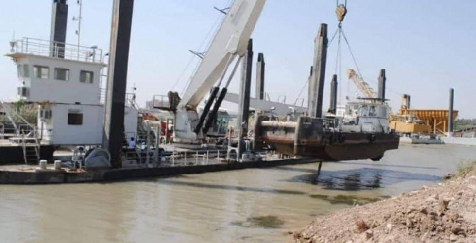 لأول مرة.. العراق يصنع 8 رافعات نهرية ثقيلة