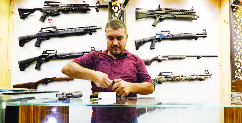 الأسدي لـ {الصباح»: الداخلية أصدرت 44 ألف رخصة سلاح
