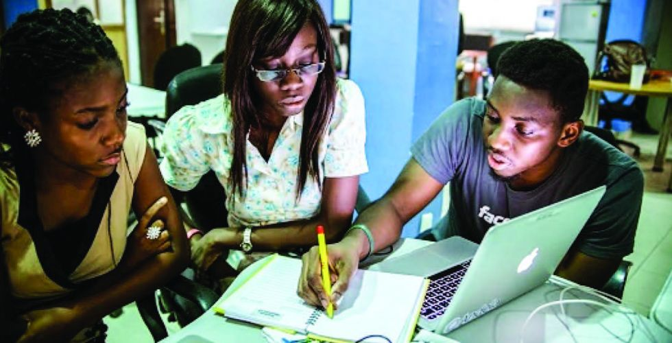 غرب أفريقيا تسعف المرضى تقنيا