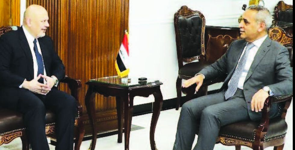 Zidane receives the head of the international investigation team in crimes Alsabaah-13717