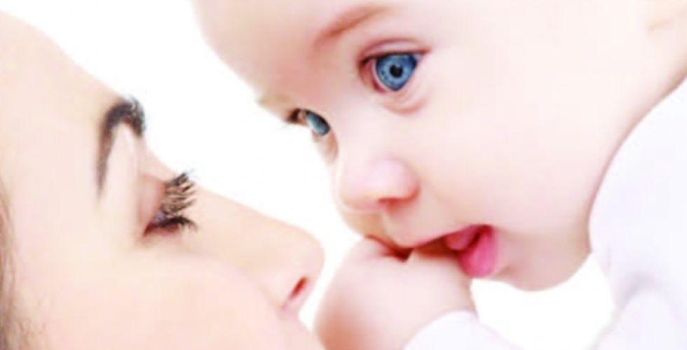 دراسة: الرضاعة الطبيعيَّة تحمي الأمهات من أمراض القلب