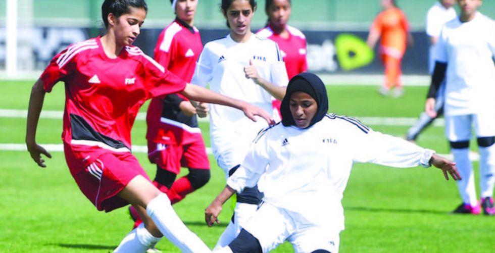 الاتحاد الدولي يفرض تواجد مدربة مع المنتخبات