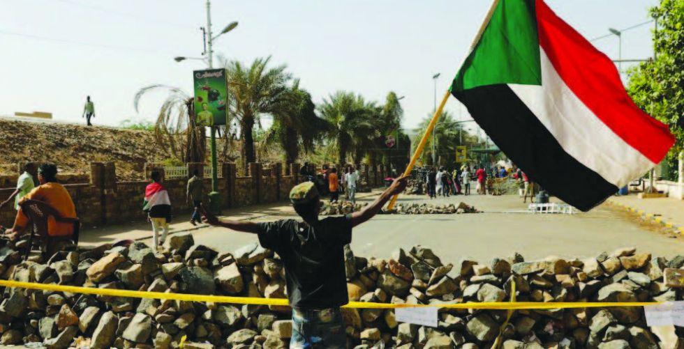 المعارضة السودانية توقف العصيان  وتسمي رئيساً للحكومة
