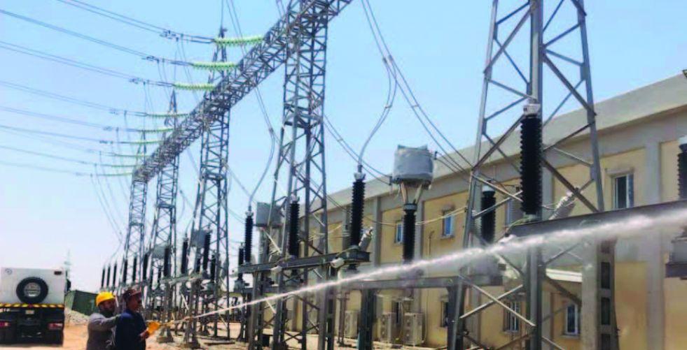 ربط محطتين تحويليتين للكهرباء في النجف وميسان