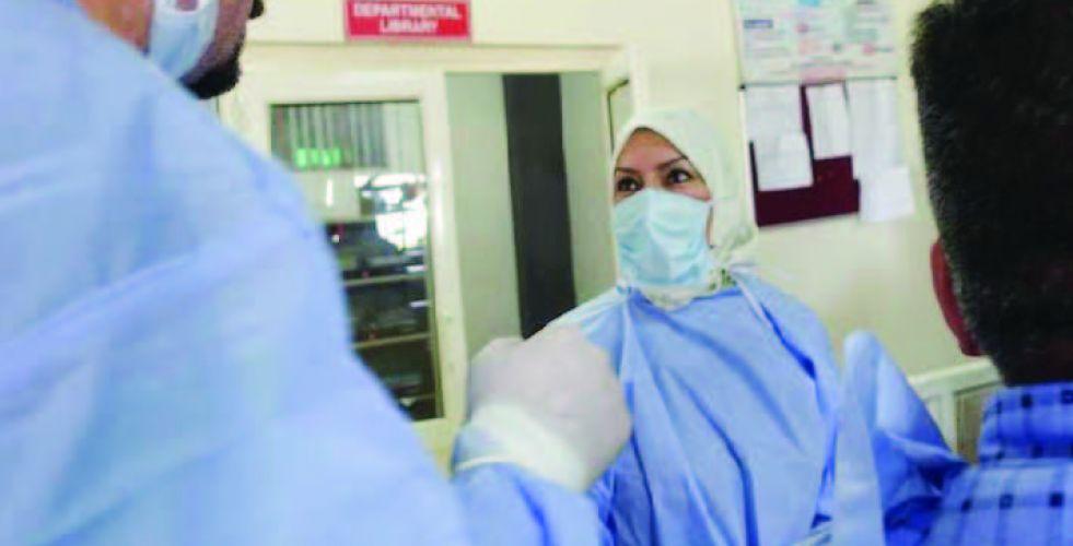 طبيبة أسنان وناشطة مدنية
