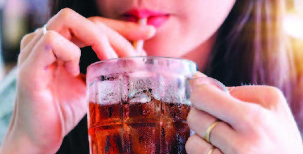 علاقة محتملة بين المشروبات السكريَّة والسرطان