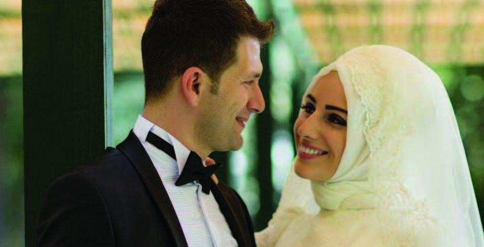 لو عاد الزمنُ أدراجَهُ هلْ ستختارُ شريكَ حياتِها نفسه؟