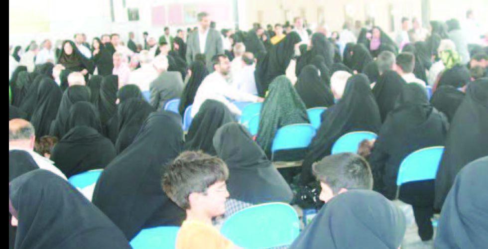 أجانب يتوافدون عبر منفذ زرباطية لزيارة المراقد المقدسة خلال العيد