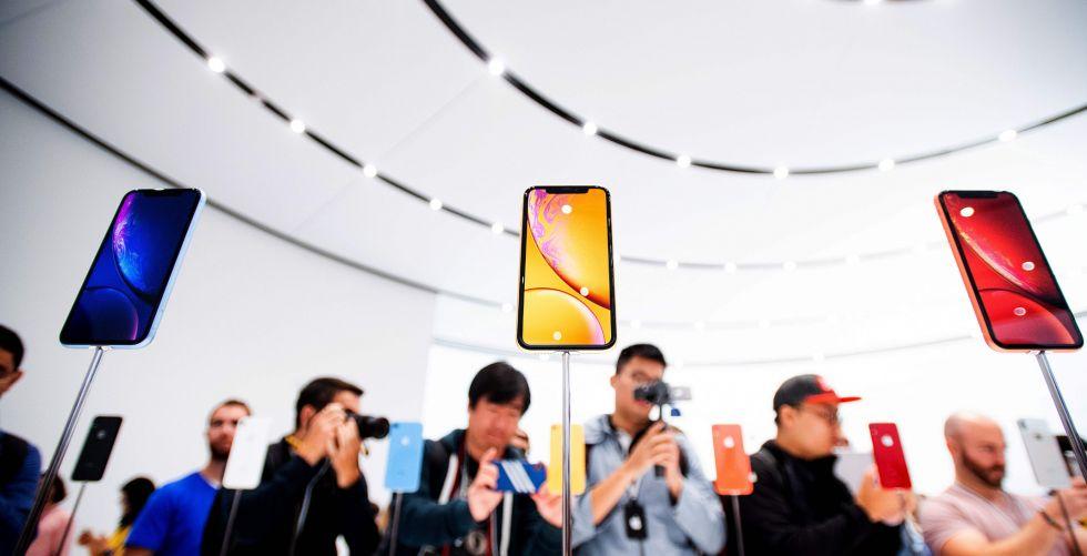 آبل تتراجع إلى المرتبة الرابعة في مبيعات الهواتف