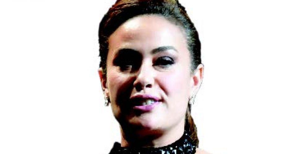 «نورا تحلم» يفوز بالجائزة الكبرى  في مهرجان قرطاج