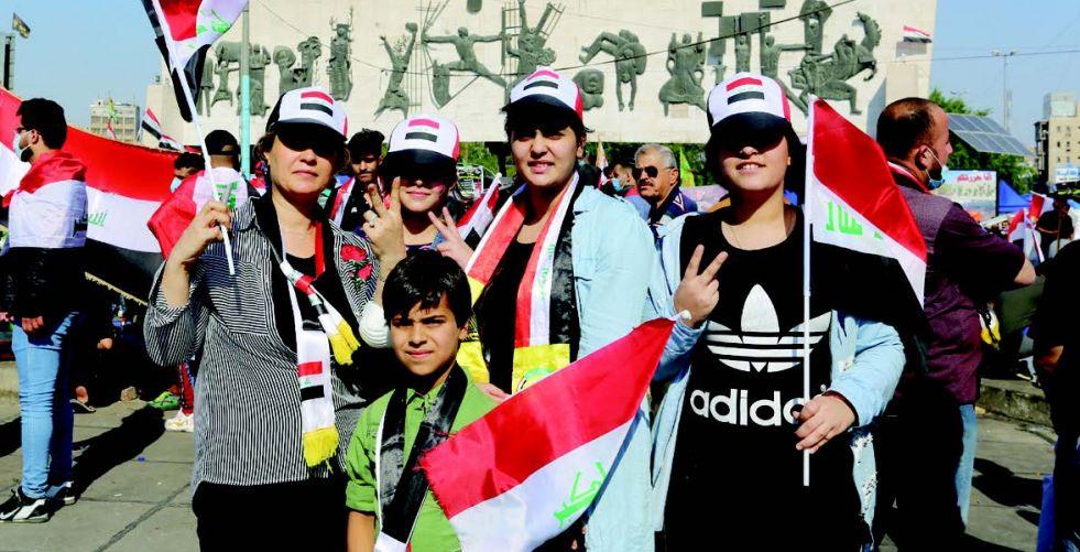 المرأة العراقية.. أيقونة ساحة التحرير