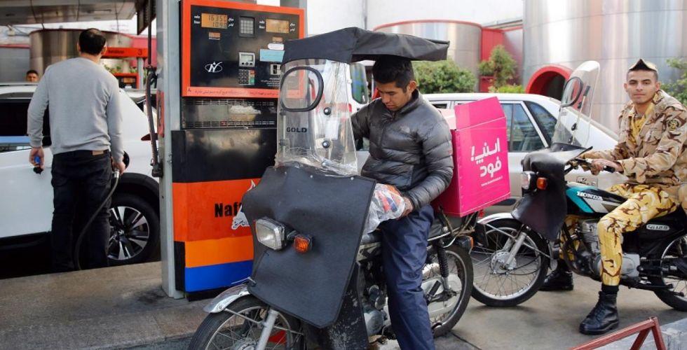 تظاهرات في إيران احتجاجاً على رفع أسعار البنزين