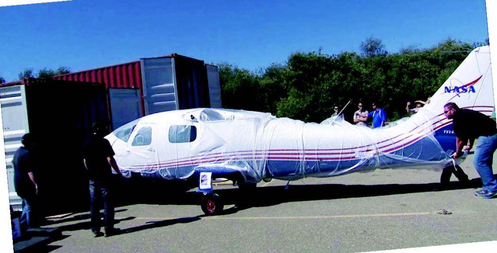 تكشف عن نسخة مبكرة من الطائرة الكهربائيَّة