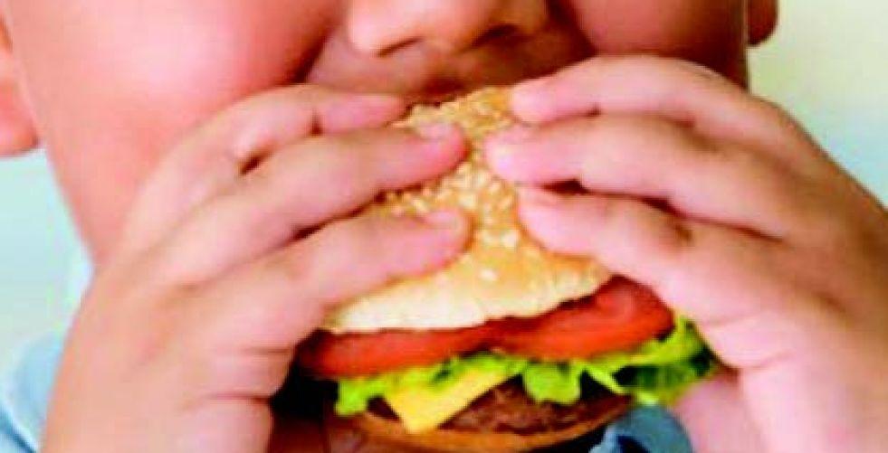 البدانة.. مرض العصر المهدد لصحة الصغار ونموهم