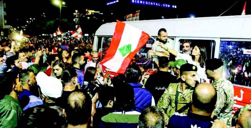 تفاقم الأزمة في لبنان يرفع الأسعار ويحرج اقتصاد البلاد