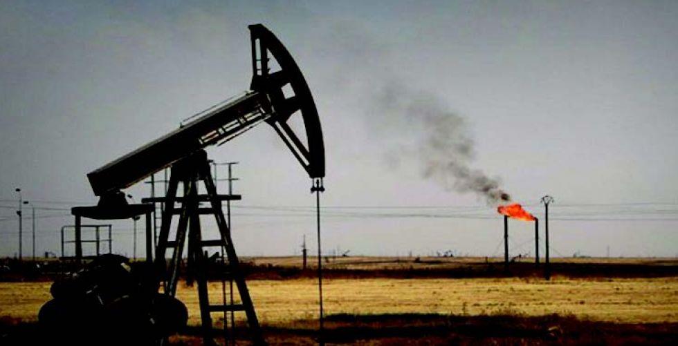 النفط ينهي أسبوعه على مكاسب واضحة