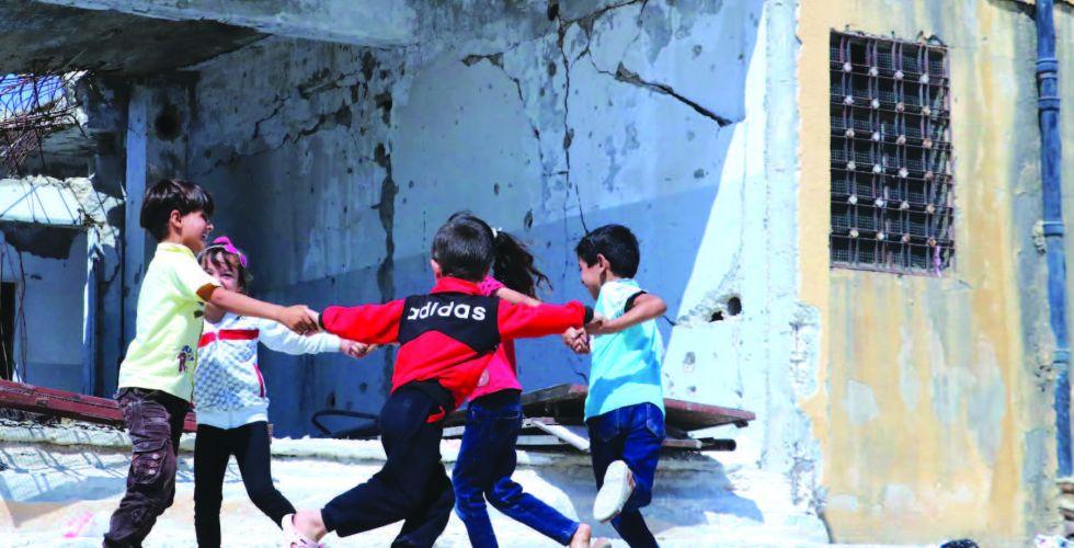 الصراعات المسلحة وتدمير الطفولة