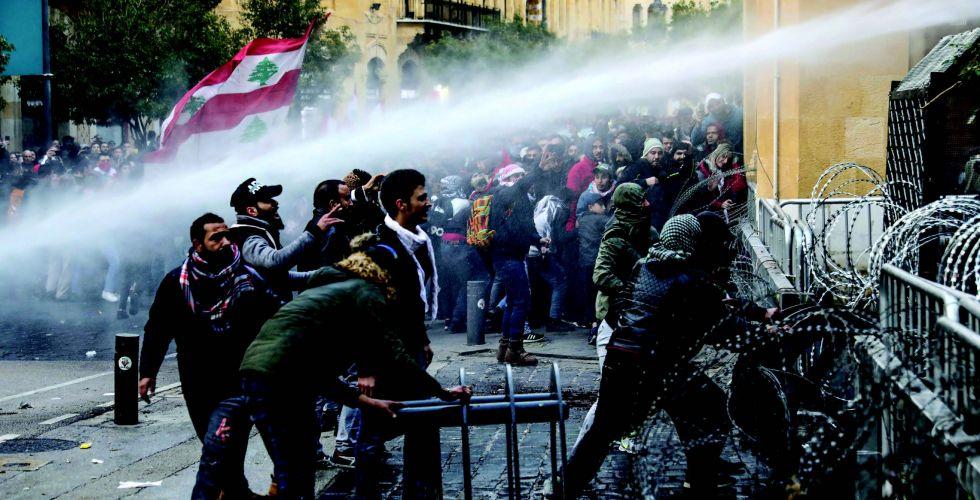 بعد مواجهات ضارية وأعمال عنف.. الهدوء يعود إلى بيروت