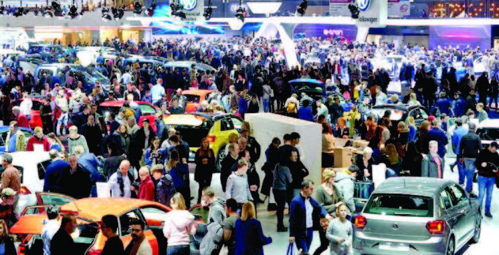 {بروكسل للسيارات».. تقنيات هجينة وطرازات جديدة