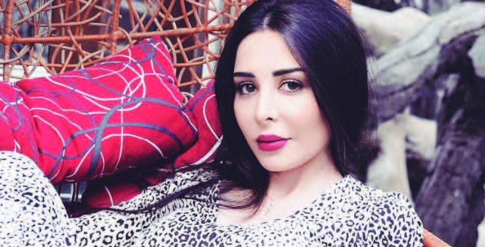 خلود عيسى: المرأةُ السوريّةُ ليست ثرثارةً في الحارات