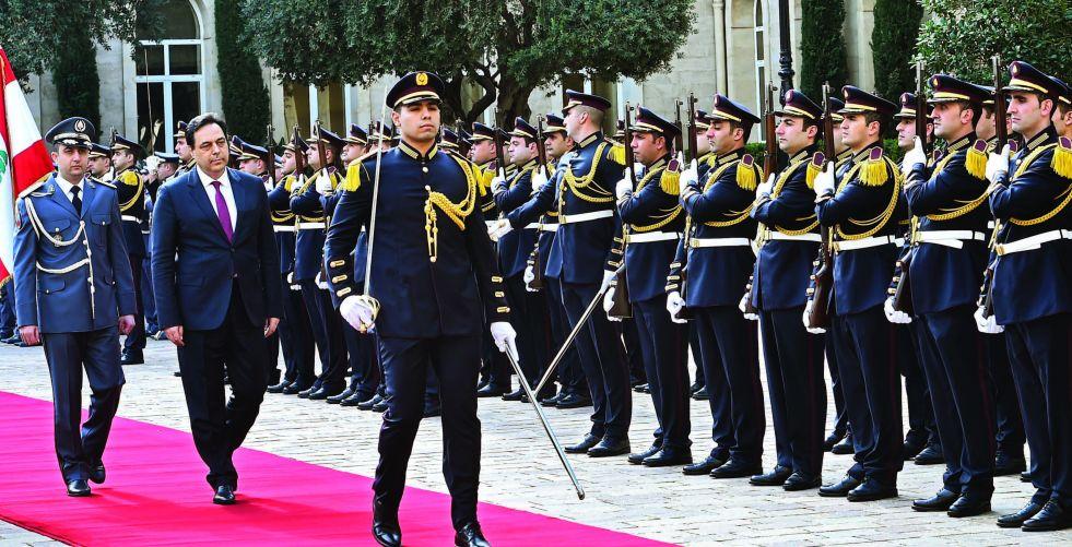 حكومة {إنقاذ لبنان} بمواجهة الانهيار الاقتصادي وغضب الشارع