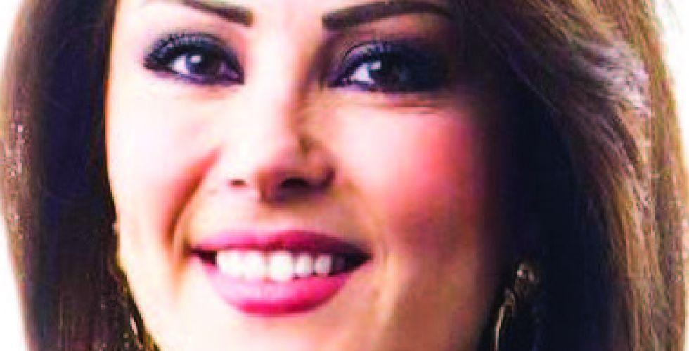 السورية لينا علوش تقرأ أخبار المغرب في طنجة