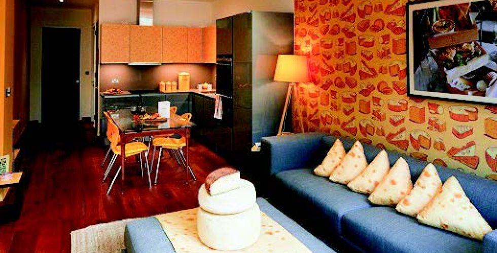 أول فندق بالعالم يستوحي ديكوراته من الجبن الرومي