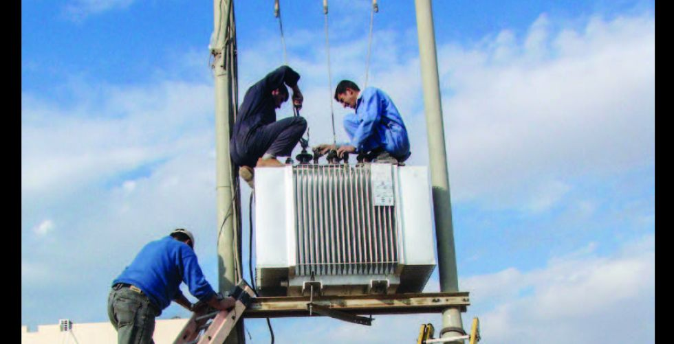 أهالي قطاع (68) يعانون  من انقطاع التيار الكهربائي