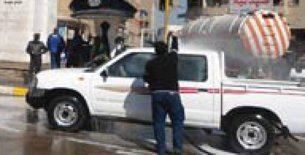 مواطنون يعزون تلف الشوارع  الى غاسلي السيارات
