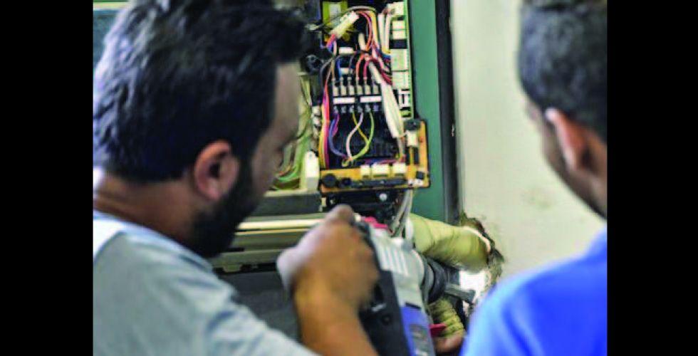 العمل تبحث تطوير المشاريع الصغيرة  لتشغيل العاطلين