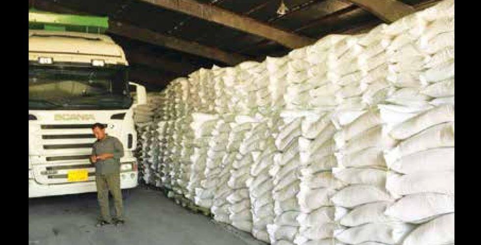 التجارة تجهز الوكلاء بـ 2,7 مليون كيس طحين