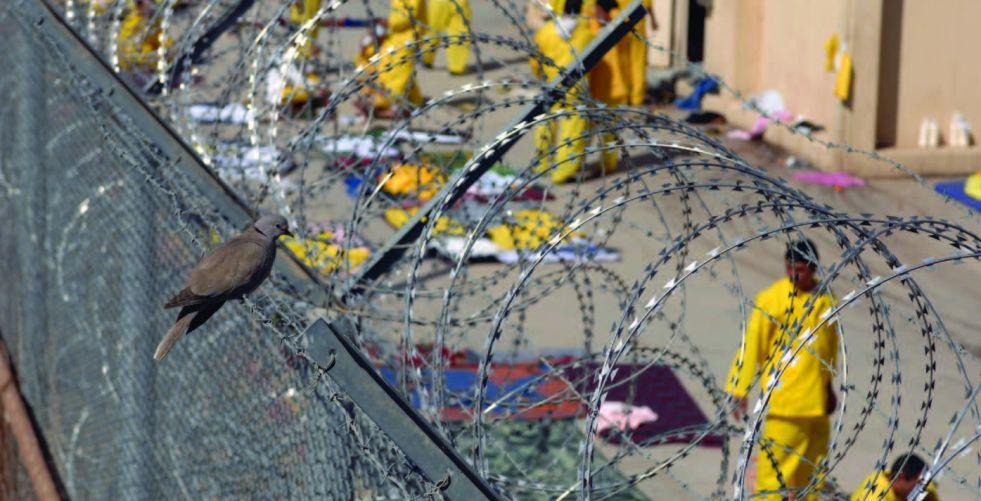 العدل: اطلاق سراح 72 سجينا مشمولا بالعفو الخاص