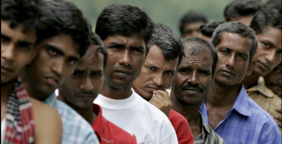 العمل: 300 ألف بنغلاديشي دخلوا البلاد من دون تراخيص