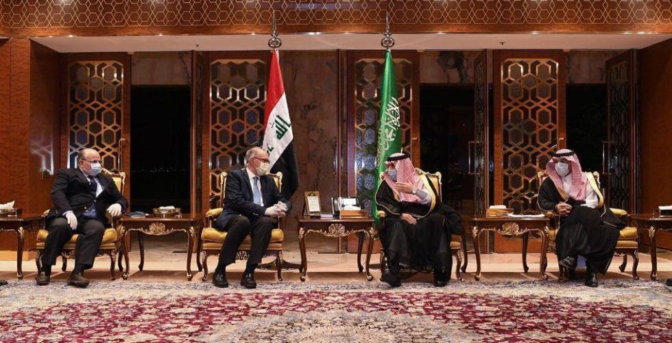 وزير المالية يصل الرياض ويسلم رسالة من رئيس الوزراء لولي العهد السعودي