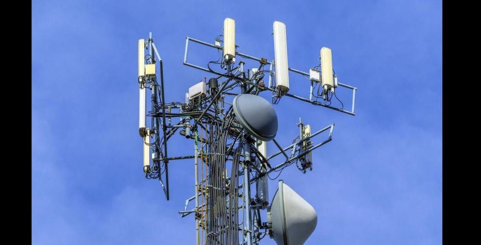 الاتصالات توقع أول مذكرة تفاهم للتنمية المستدامة