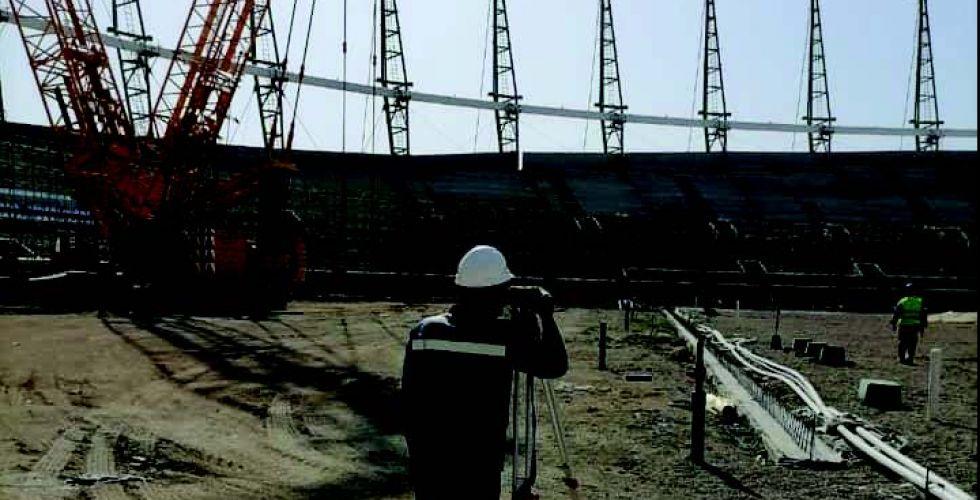 عدنان درجال يثمن جهود العاملين في ملعب الميناء