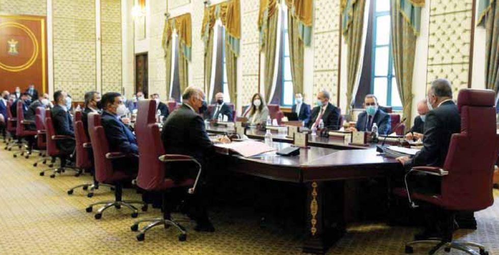 مجلس الوزراء يطفي ديون المستفيدين من شبكة الرعاية ويمنحهم «عيدية»