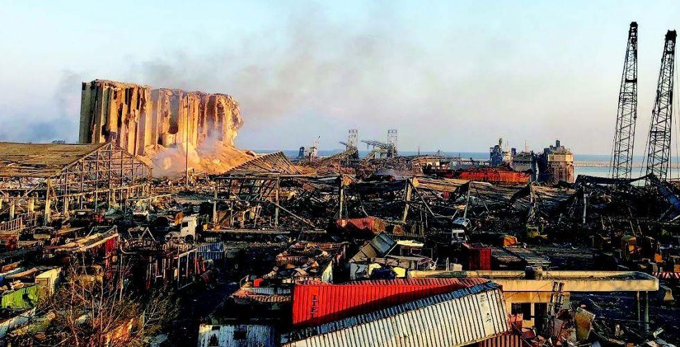 « الصباح » في مرفأ بيروت.. مسرح الانفجار الكارثي
