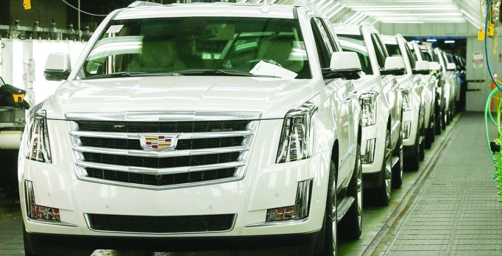 عمالقة صناعة السيارات  في الولايات المتحدة يعاودون فتح مصانعهم