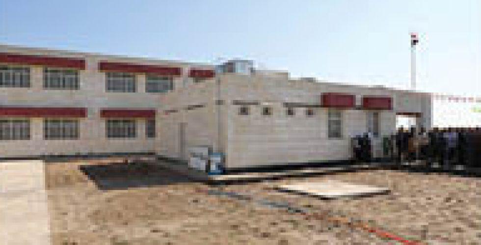 أهالي حي البساتين يريدون  بناء مدرسة لأولادهم
