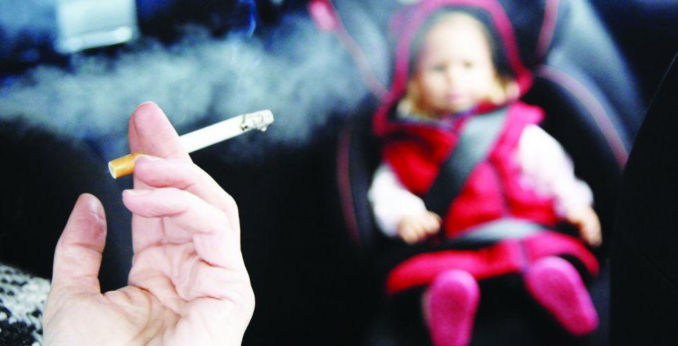 التدخين السلبي وتأثيره في الأسرة