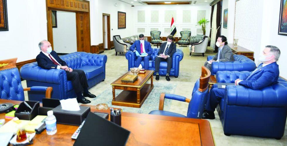 بغداد وواشنطن تبحثان آليات تعزيز  التعاون المالي بين البلدين