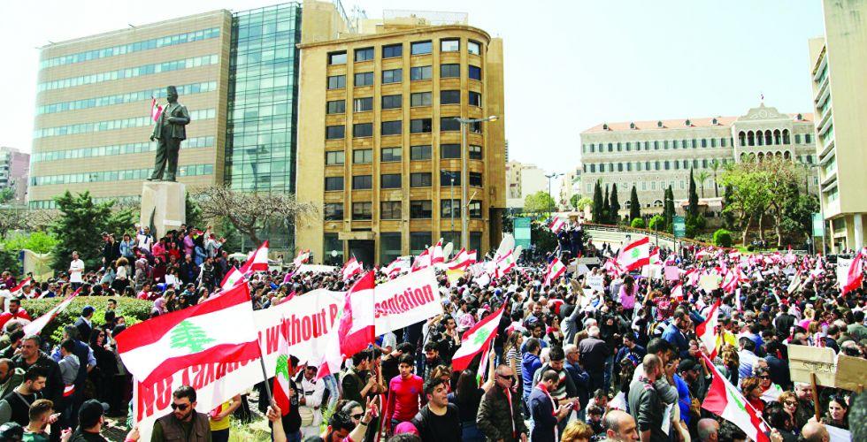 أزمة الحكومة اللبنانية تأخذ بعداً طائفياً خطيراً