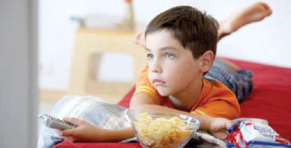 """السمنة.. خطر يهدد الأطفال بسبب """"الإغلاق"""""""