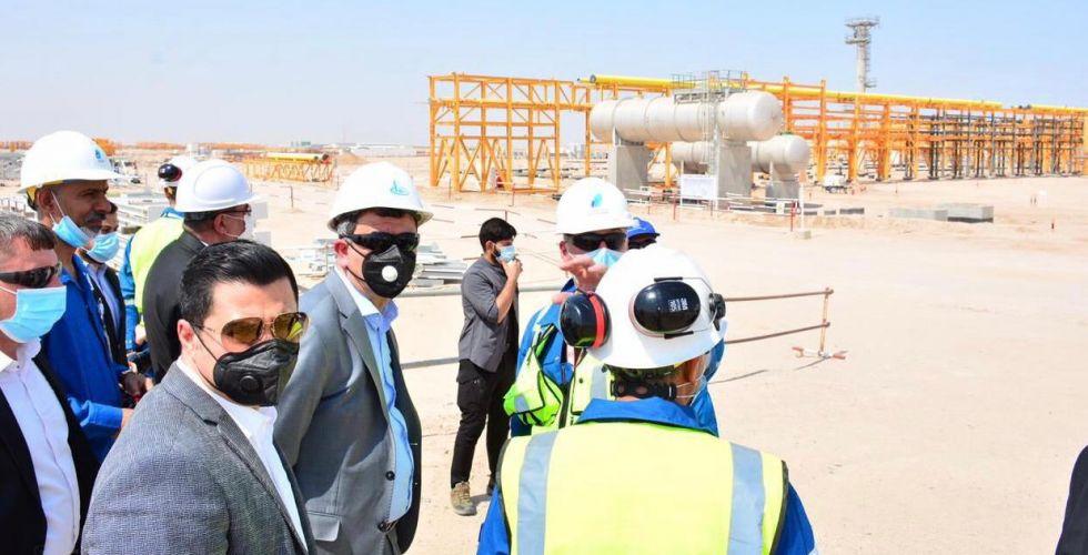 وزير النفط يوجِّه بتنفيذ مشاريع استثمار الغاز المصاحب