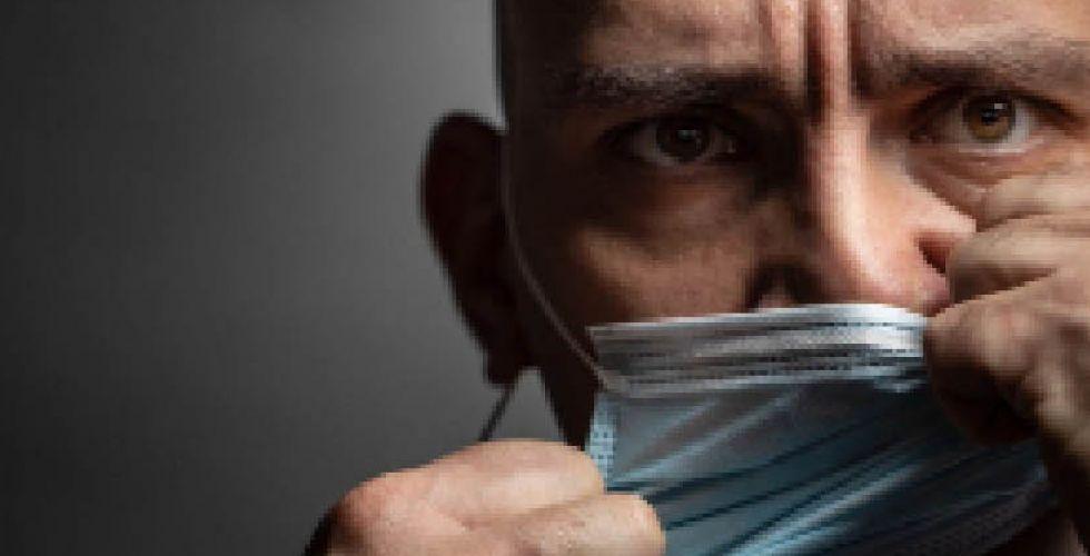 خوفاً من الإصابة مواطنون يرفضون المسحة
