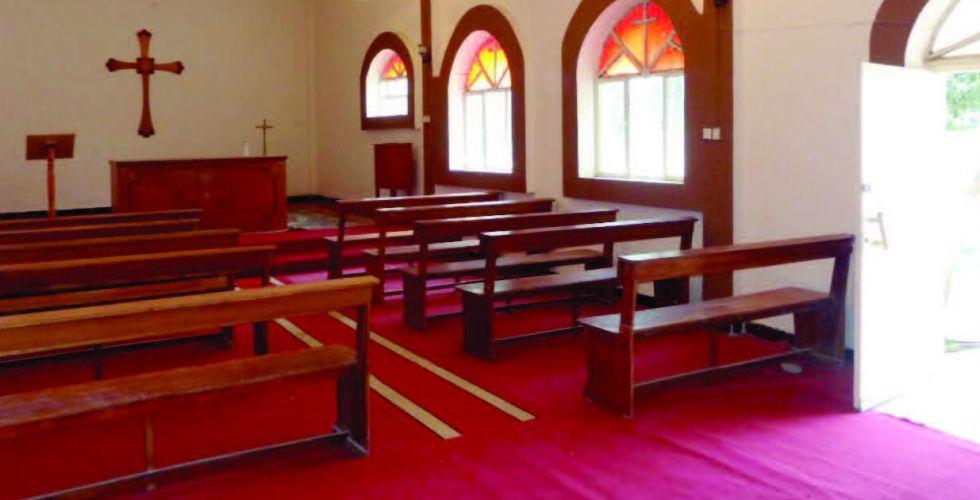 الكنيسة الحمراء.. شاخصٌ أثري يضج بالصلوات والترانيم