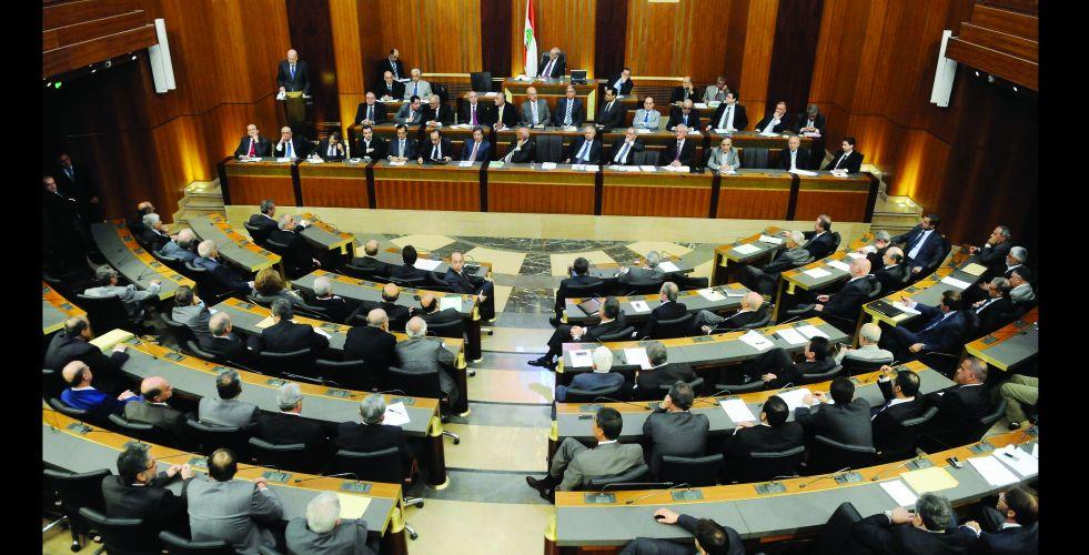 المبادرة الفرنسية تغرق في رمال لبنان المتحركة
